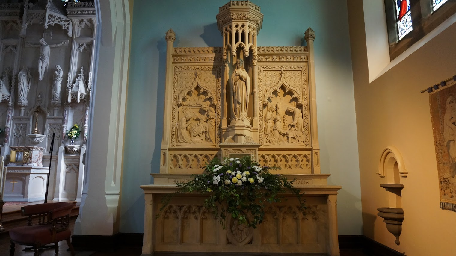 St. Kentigerns Roman Catholic Church   25A Newton Drive, Blackpool FY3 8BT   +44 1253 393439